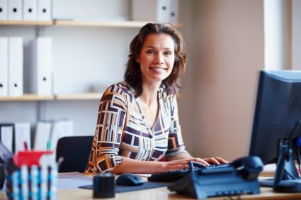 how to become legal secretaries make